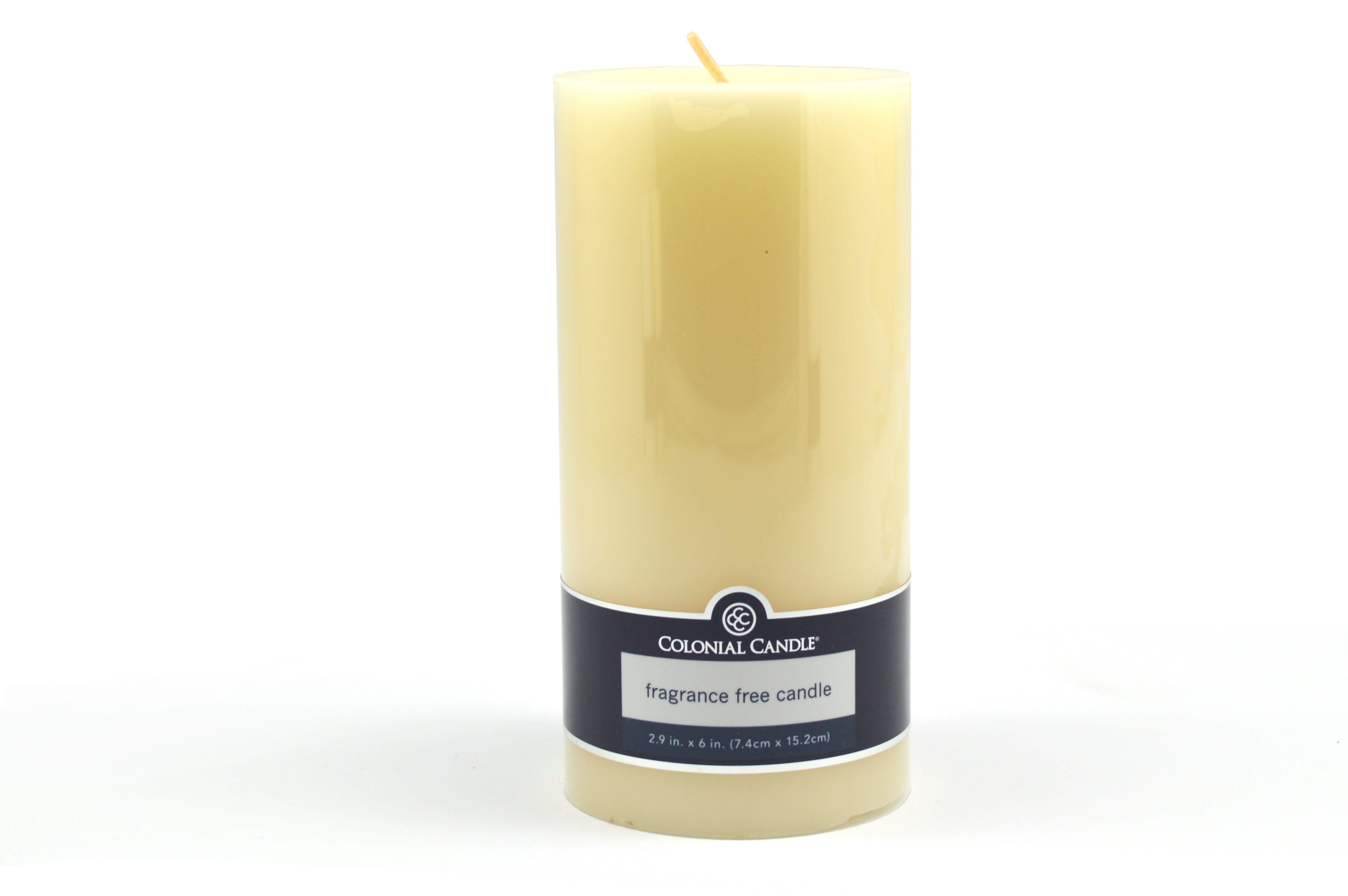 Vela pilar Colonial Candle® de 15.24 cm color marfil
