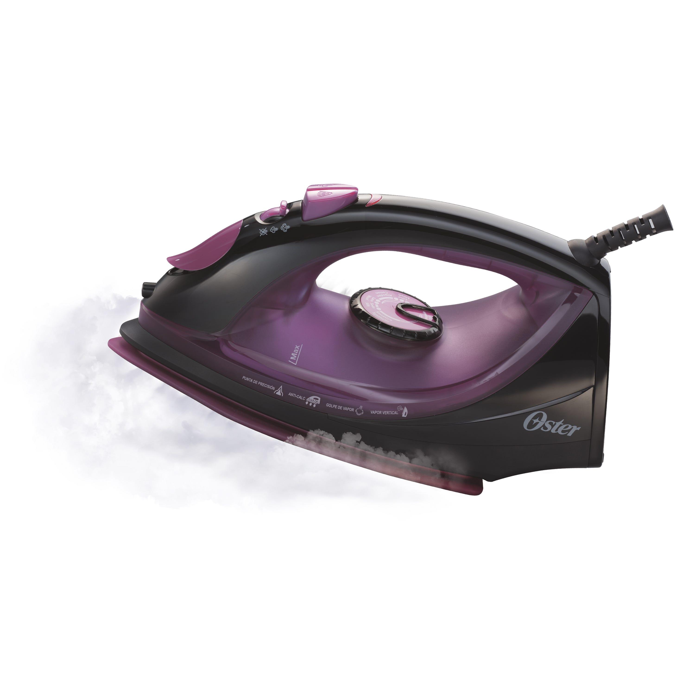 Plancha de vapor con suela de cerámica Oster® en violeta