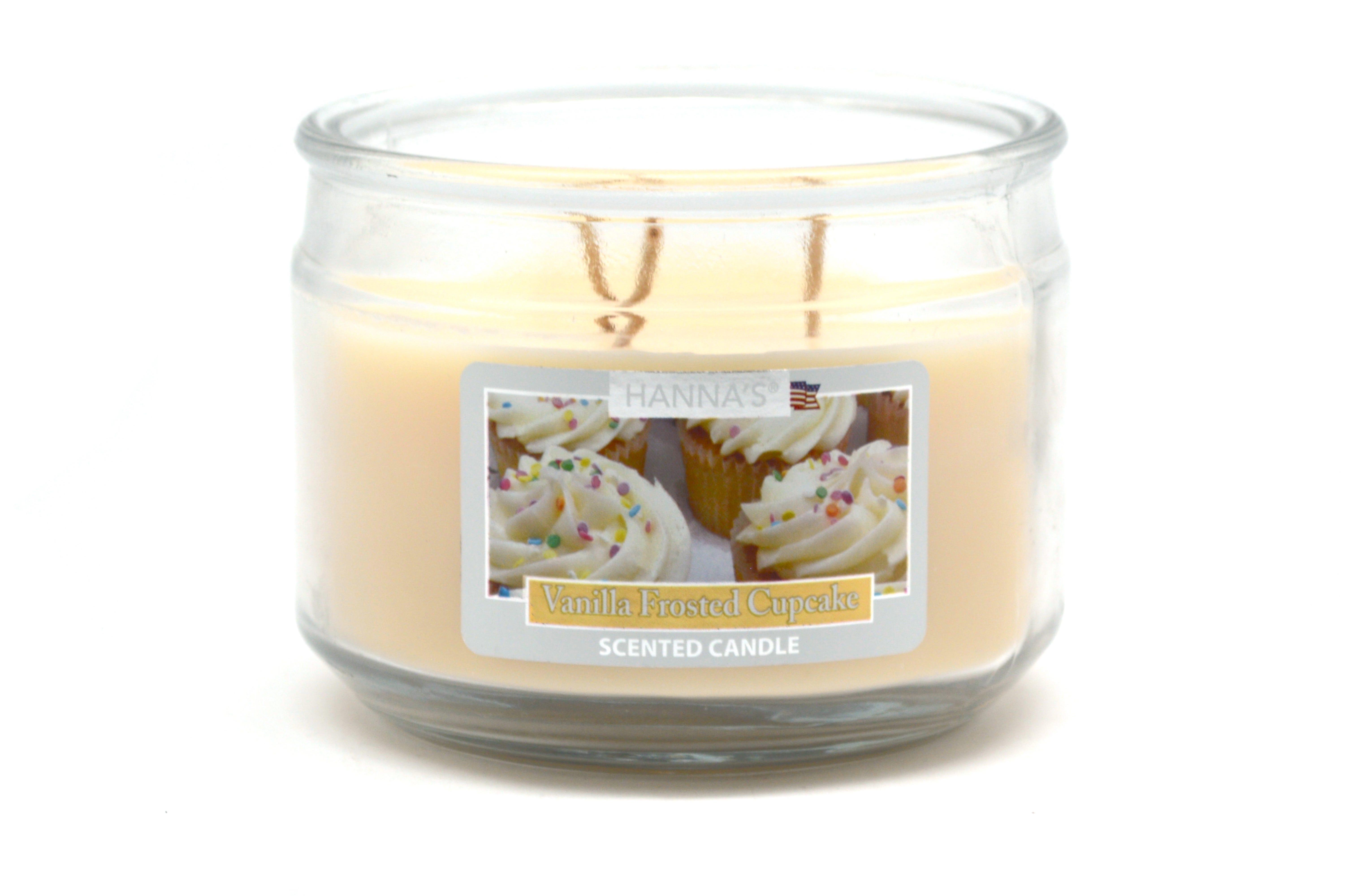 Vela en vaso de 3 pabilos Hanna's aroma glaseado de vainilla, 326 g